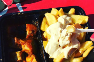 pommes-mayo-currywurst