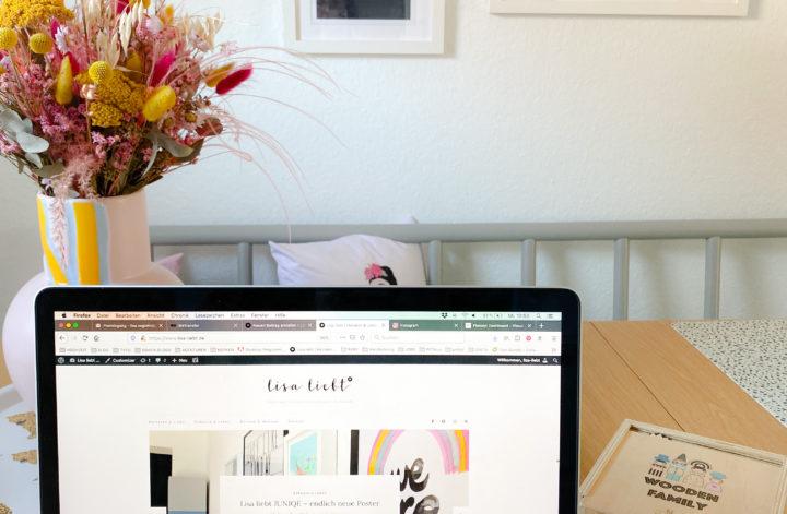 Blog auf dem Macbook am Esstisch
